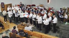 Chor und Akkordeonorchester; Quelle: Ev. Kirche Wehr